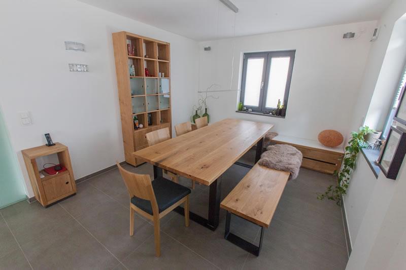 Tisch Und Bank Aus Eiche ...